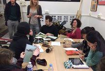 Les 101 heures du livre jeunesse / Nos étudiants de 3e année relèvent le défi de réaliser un livre jeunesse destiné à l'édition, de la conception du projet à la réalisation graphique, en exactement 101 heures.