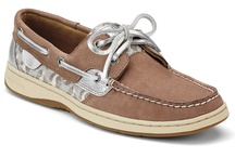 Sperry addiction! ⛵ / by Angela Feliciano