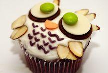 @>~ Cupcakes ~<@  / by Jordan Ehren