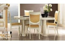 Oval Dining Tables / Oval dining table in fixed top and extending dining tables in different styles and finish in Indian, Modern, contemporary, traditional, Italian, Oak, Pine, Glass, Dark Wood, White and Painted you are sure to find one perfect for your own individual style.