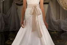 Wedding Gowns / Gorgeous Wedding Gowns for every shape, style and theme
