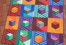 Ønskeblokken cube quilts / Quilts og lappeteknikk med kuber og optiske virkninger.
