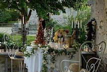 mesa redonda com flores