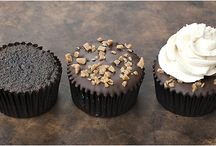 Oh-My-Dessert!!  / Cupcakes and Individual Desserts / by Florencia Leoni