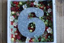 【アルファベットフレーム】 / ご注文をいただいてから、製作するアルファベットモチーフのフラワーインテリアですお誕生のお祝いやご結婚祝いに最適です。。