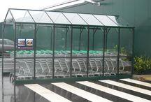 22. Winkelwagen overkapping / Batist Hobbykassen ontwerpt en produceert ook winkelwagen overkappingen op maat. Ideaal voor tuincentrum, bouw- supermarkt, of ander grootwinkelbedrijf. 0174-290727.