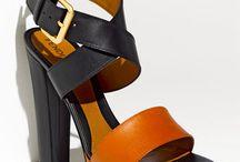 Shoes glorious shoes / Desirable women's footwear