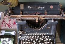 Autre temps - machines à écrire / by Nicole Pelletier