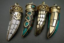Horn Pendants / Make your own horn necklace