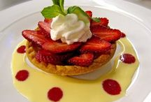 Sweet Treats / Delightful and delectable dessert recipes. Vegetarian friendly.