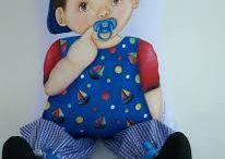 Cojines de muñecas pintadas