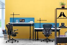 Herman Miller Sit Stand Ratio / With its clean lines and lightweight design, the Herman Miller height adjustable Ratio desk has been designed to blend into the modern office environment. Research shows that moving from one posture to another is beneficial to our health – people who move more, feel better. And people who feel better, work better.