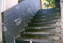 Meek Stairs