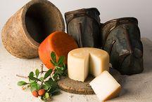 Queso Ibores / Queso de cabra tradicional de la comarca Villuercas Ibores que comprende 35 términos municipales cacereños donde se elabora este queso.