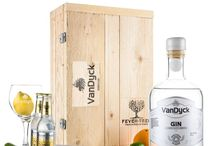 Gifts or Presents / Now available at http://www.gintonicbox.nl/Luxe-houten-kisten-met-gintonic/van-dyck-gin-tonic-box … pic.twitter.com/xsZowhoZcY