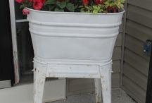 Flower Containers / by Trudie Gunn