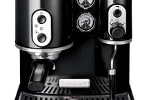 KitchenAid Espresso Machine / Artisan Espresso Machine 5KES100  • Two independent boilers • Professional filter holder • Large espresso and steam gauges • Die-cast metal construction • Cup warmer