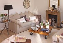 Living rooms / by Misyeri Urdaneta Parrish