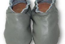 Scarpine in pelle / Comodi scarpini per bimbi in morbida pelle, facili da indossare grazie alla fascia elastica alla caviglia ... questo significa, mai più scarpe perse!!!