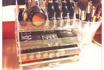Makeup/Room/Organization/Table
