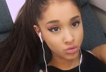 Ariana Grandeee