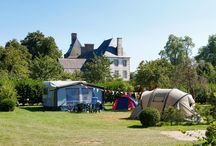 Emplacements camping / Le castel camping***** des Ormes propose 130 emplacements de camping.