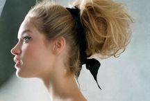 Peinados - Recogidos / Inspiración sobre peinados. Peinados con trenzas, semirrecogidos con trenzas, recogidos y todo tipo de inspiración   para dejar el pelo perfecto.   #pelo #peinados #recogidos #trenzas