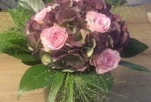 prachtige bossen bloemen.....gekregen ...of zelf gekocht