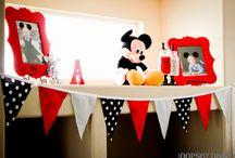 Party Ideas / by Jennifer Haynes