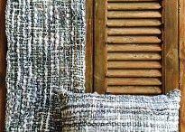 Zacht & Stoer / Zachte wollen plaids in combinatie met acryl. Bijpassende kussens. Ook stoere ruwe stoffen en print. Allen handgemaakt in India