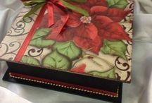 Estencil navideñoscajas decoradas