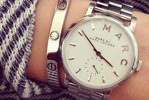 klockor och smycken