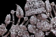 ROYAL JEWELS / ROYAL JEWELS of the world, Albania, important jewelry, tiara, diademe