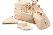Idées cadeaux naissance / Découvrez notre collection de 250 produits Sophie la girafe®