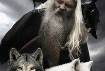 El lobo en la mitología. / En ocasiones, el lobo es retratado como una bestia y otras, en cambio, como una representación del valor, la nobleza y la fuerza.