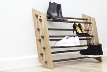 Moodstand / Adjustable magnetic shoe rack for all types of shoes. Designed in Denmark by Roon & Rahn.