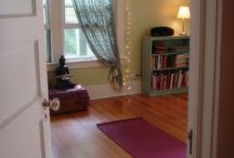 Yoga room ideas / Inspiration for decorating a space for yoga & meditation