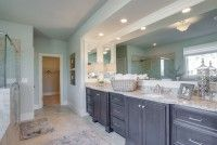 Bathrooms / Gorgeous bathrooms featured in beautiful homes.