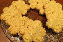Biscottini sani / Per i super golosi come me! Che nn riescono a rinunciare completamente alle voglie dolci, ma ci tengono alla loro forma fisica !