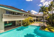 La casa hawaiana de Obama. / Construida en 1998, la vivienda, de unos mil metros cuadrados, cuenta con 13 habitaciones distribuidas en dos pisos, al margen de una piscina con vistas al mar. El alquiler durante las vacaciones ronda de los 6.200 a los 7.500 dólares al día