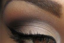 Pretty Eyes / by Cristina Capolongo