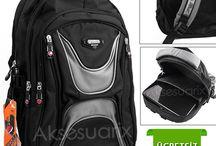 Arpelle Sırt Okul Çantası / Günübirlik iş seyahatlerinizde, spora giderken veya haftasonu kaçamaklarınızda, laptopunuzu ve eşyalarınızı taşımanızda rahatlıkla kullanabileceğiniz Arpelle ortapedik sırt çantası uygun fiyatıyla karşınızda  Ürünü incelemek için ve daha fazla bilgi için tıklayınız http://www.aksesuarix.com/arpelle-ortopedik-okul-sirt-cantasi-sc052