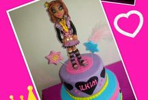monster high cakes / Clawdeen wolf cakes, monster high cakes