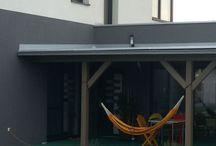 Na terase / Hojdanie a relax na terase. Nápady pre drevené a hliníkové terasy.