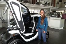 Renault Twizy /  Sindy alejandra en el renault twizy