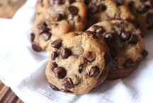 Chocolate Chip Cookie Obsessed / All things chocolate chip cookie.  / by Shelly Jaronsky (cookies and cups)