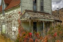 Everything is beautiful in it's own way / Chippy paint, decaying homes, etc