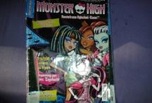 Monster High Toys / Ich liebe Monster High und sammle die Puppen, Magazine etc.
