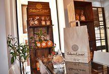 """Palazzo Personè / Si possono  acquistare i prodotti e i gadgets """"Salento lovers"""" presso Palazzo PERSONE' nel centro storico di Lecce."""