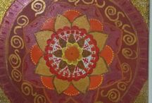 Orange lost in gold: mandala art / Mandala art